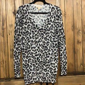 Beautiful Leopard print ladies sweater